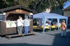Herbstmarkt mit Weinstand